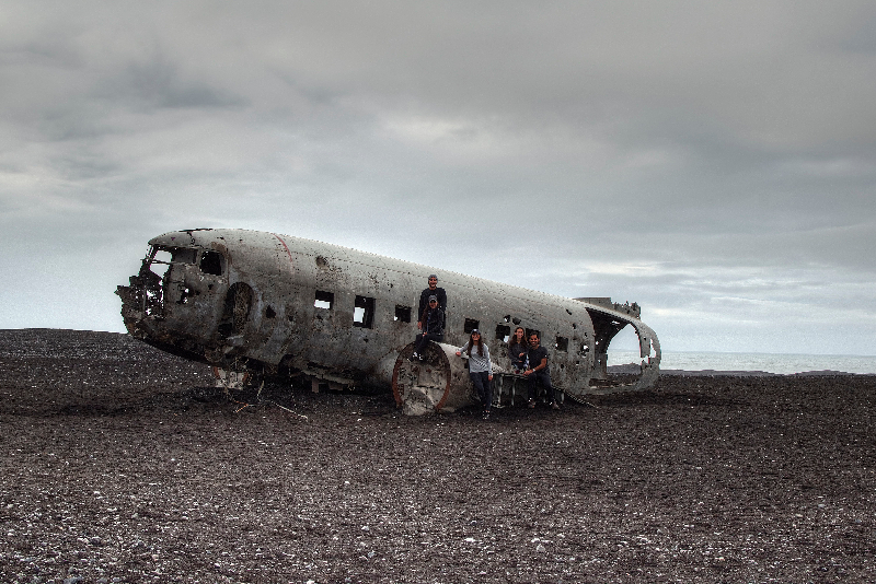 Family adventure in Iceland_crashed plane